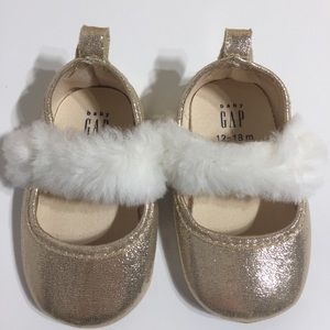BabyGap gold fuzzy baby girl shoes